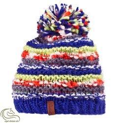 Handgestrickte Damenmütze Estie Pompon von Protest - Schick, sportlich, super elegant - winterfest